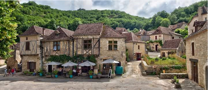 saint-cirq-lapopie-place